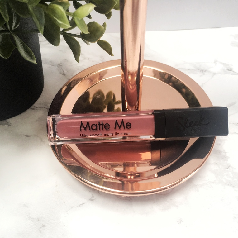 Review-Sleek-Matte-Me-Liquid-Lipstick