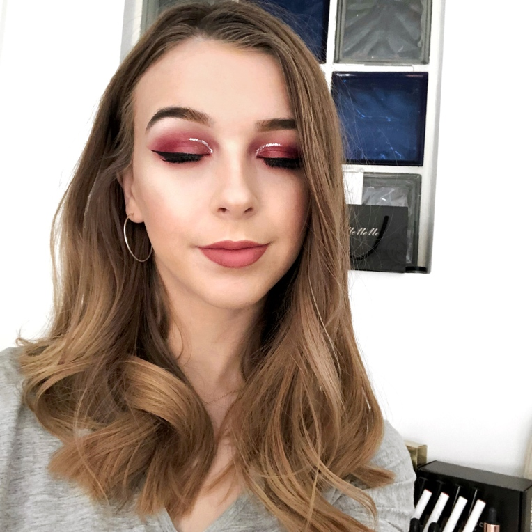 Valentines-Silver-Cut-Crease-Makeup-Look1