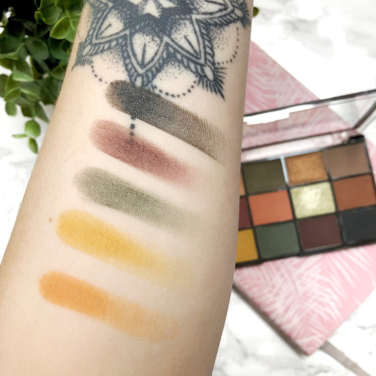 Makeup-Revolution-Iconic-Division-Palette-Review-Swatchs-1